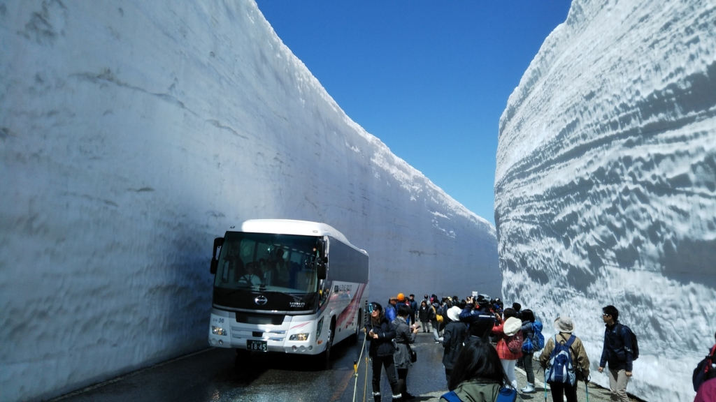 Day Trip to the Snow Wall of Tateyama-Kurobe Alpine Route